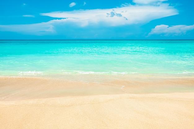 Streszczenie tło niewyraźne brzegu morza