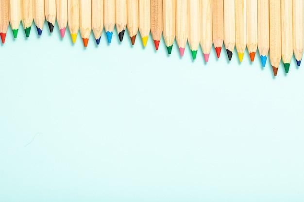 Streszczenie tło ołówek. nowoczesny kolor płaski świeckich tła. streszczenie rysunek ołówkiem. widok z góry