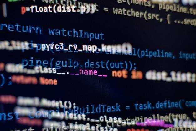 Strona internetowa kod html na laptopie wyświetlacz zbliżenie zdjęcie. informatyczne standardy kodowania stron internetowych do projektowania stron internetowych ekran programisty.