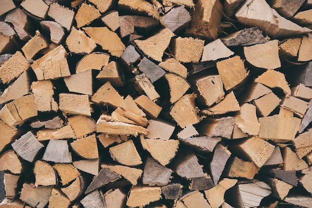 Strzał zbliżenie stos drewna opałowego