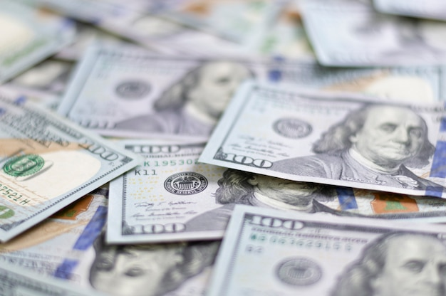 Stu dolarowe. dolary amerykańskie w gotówce