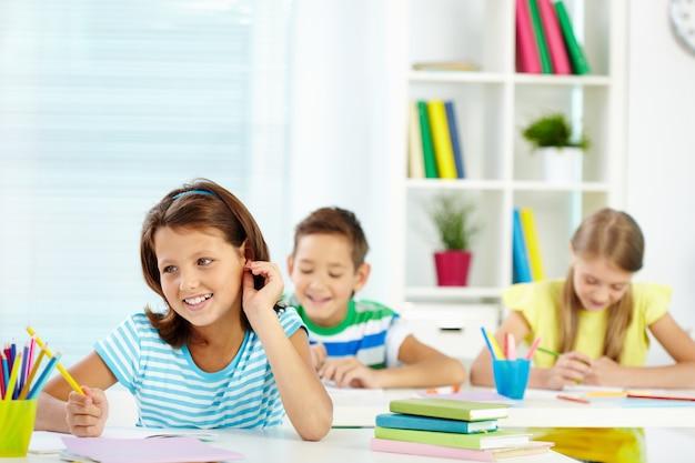 Studenci posiadające dobry czas w klasie