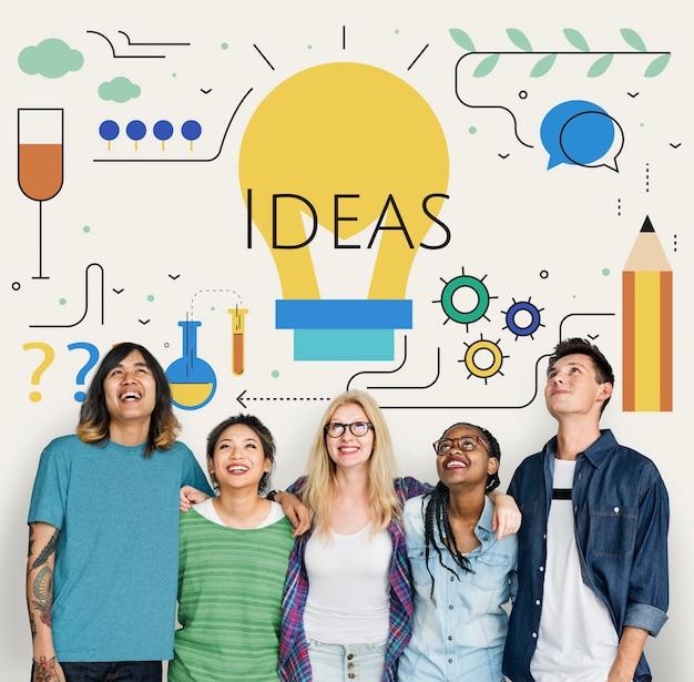 Studenci z ilustracją żarówek pomysłów na kreatywność