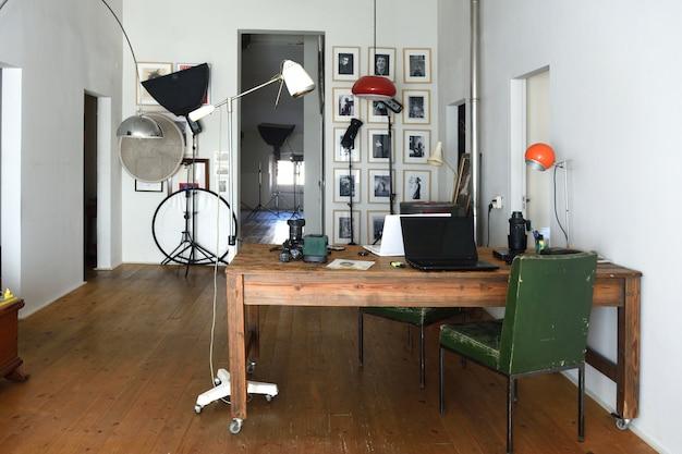 Studio fotograficzne w starej przestrzeni