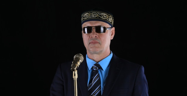 Studio portret biznesmen mężczyzna kazachski
