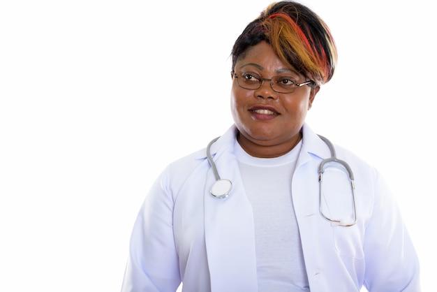 Studio strzałów szczęśliwy lekarz kobieta uśmiecha się