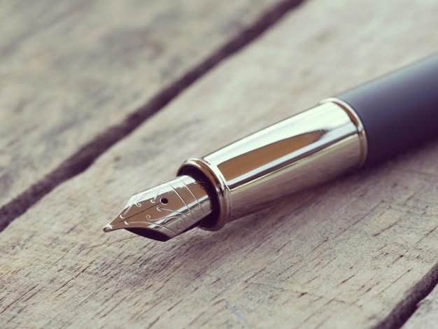 Styl retro długopis