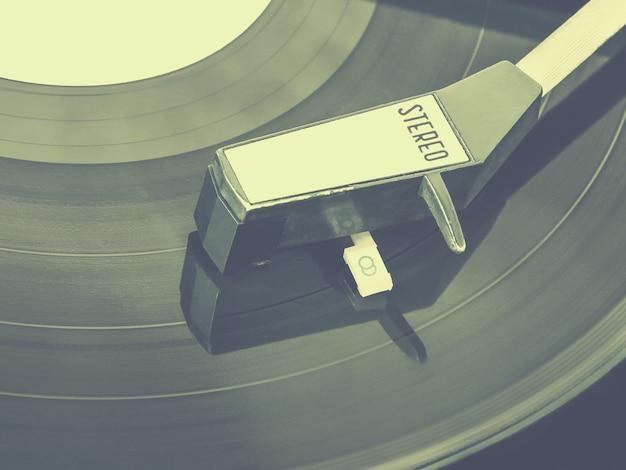 Stylizowane zdjęcie starego gramofonu