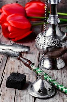 Stylowa arabska fajka wodna