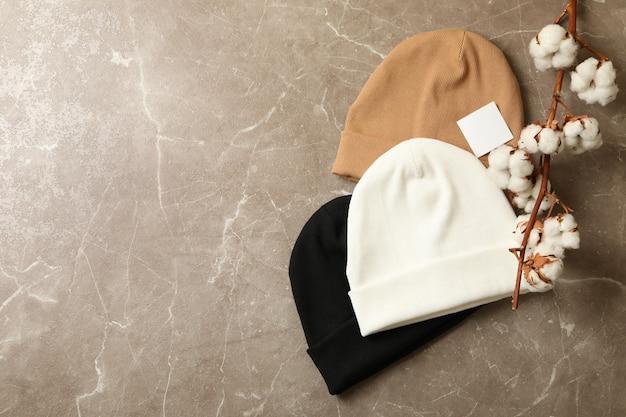 Stylowe czapki i bawełna