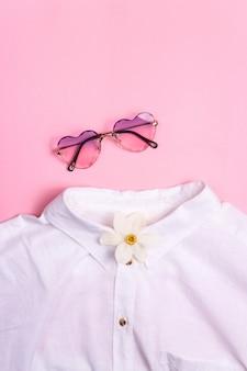 Stylowe letnie i wiosenne damskie ubrania z garderoby