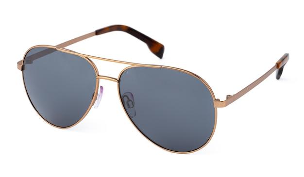 Stylowe okulary przeciwsłoneczne na białym tle