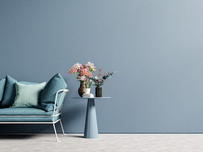 Stylowy nowoczesny drewniany salon z sofą na pustej ciemnoniebieskiej ścianie, renderowanie 3d