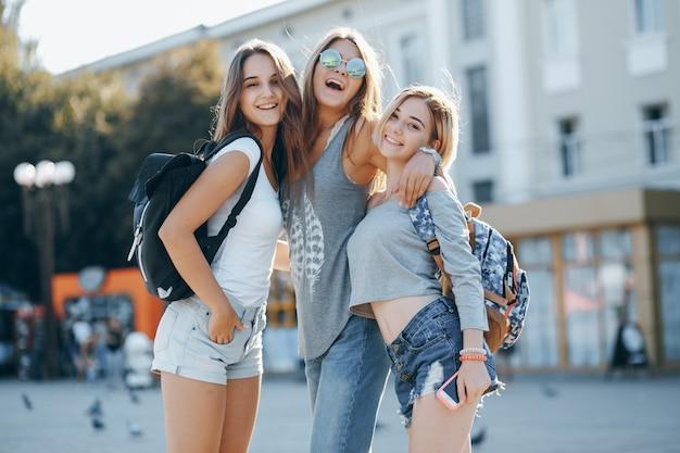Stylowy okulary żeński miasto nastolatek