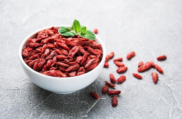 Suche czerwone jagody goji