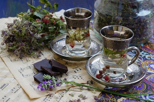 Suchy tymianek, herbata thymus, rocznik wina