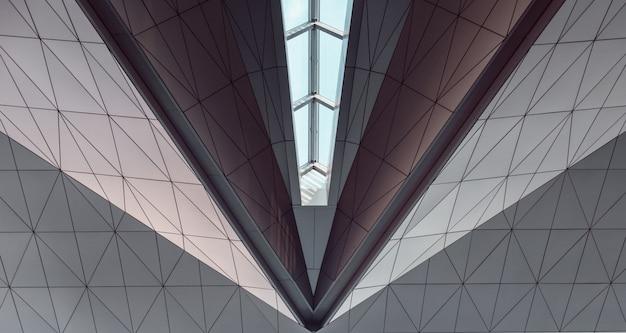 Sufit geometryczny z windows. abstrakcyjny