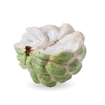 Sugar apple lub custard apple na białym tle.