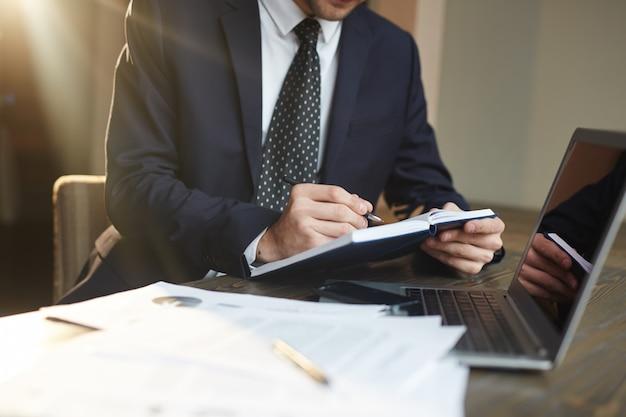 Sukcesy biznesmen pracy