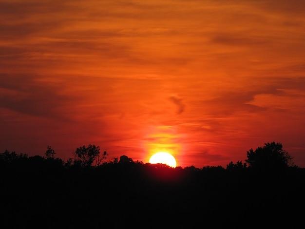 Sunset mississippi pomarańczowe niebo słońce magee