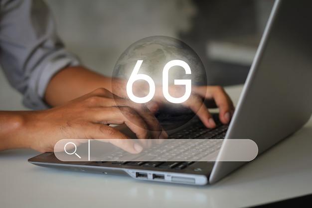 Super szybki internet bezprzewodowy i system szybkości transmisji danych przygotowuje się do technologii 6g. wyszukiwanie informacji o przeglądaniu danych internetowych