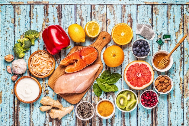 Superfoods dla wzmocnienia odporności i leków na przeziębienie, widok z góry.