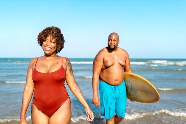 Surferzy na ładnej plaży?