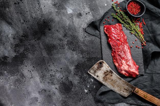 Surowa spódnica, maczetowy stek z różowym pieprzem i tymiankiem .. kopiowanie miejsca