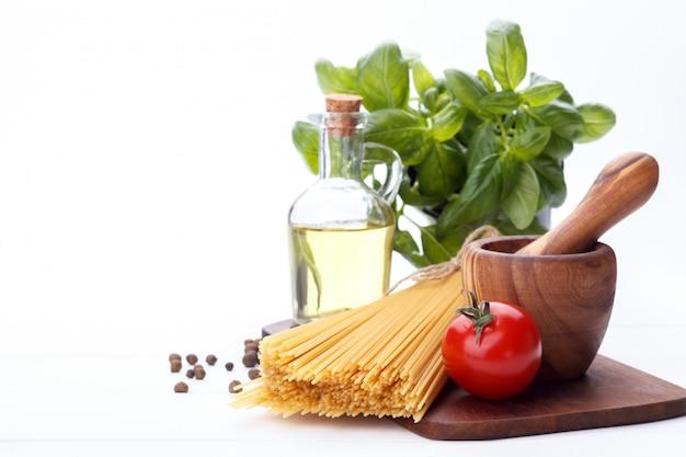 Surowce do włoskiego makaronu