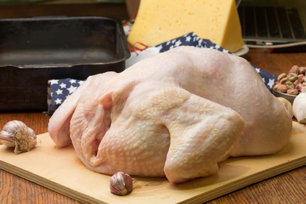 Surowe, ekologiczne produkty rolno-spożywcze z kurczaka