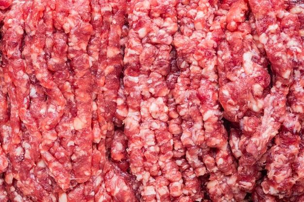 Surowe mielone świeże mięso, widok z góry na płasko