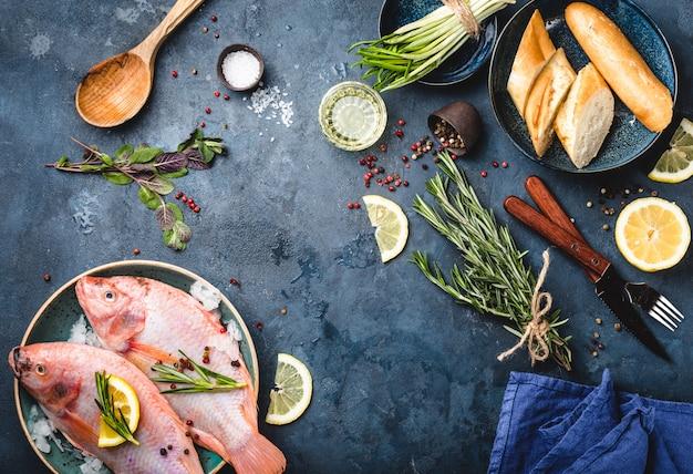 Surowe ryby i składniki