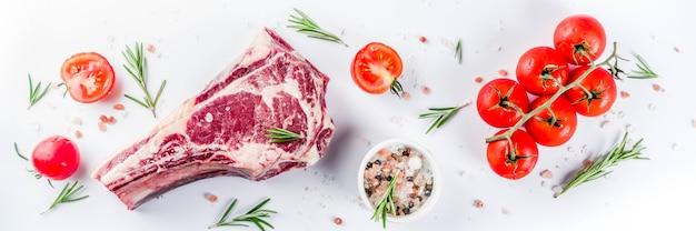 Surowy stek wołowy