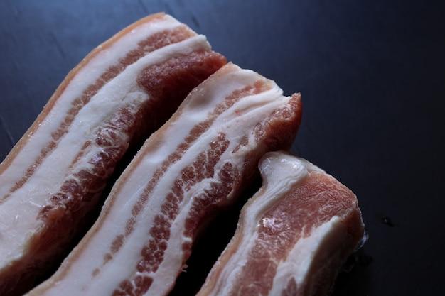 Surowy wieprzowina brzuch