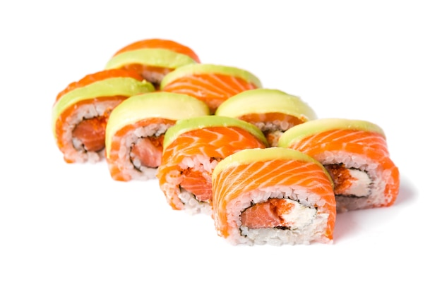 Sushi rolki na białym tle