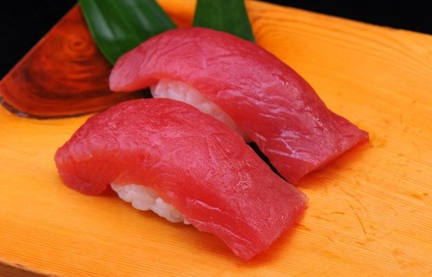 Sushi z tuńczykiem maguro