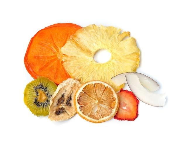 Suszone owoce banana, kokosa, cytryny, pomarańczy i truskawki.