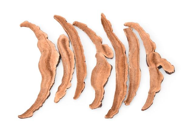Suszony grzyb lingzhi (zwany także grzybem reishi w japonii, lingcheu w tajlandii, grzybem lingzhi w chinach, ganoderma lucidum karst lub grzybem lakierowanym)