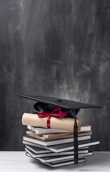 Świadectwo ukończenia szkoły z bliska