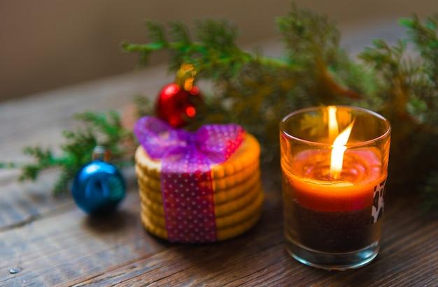 Świąteczna dekoracja świecy