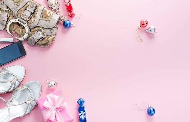 Świąteczna kompozycja, zestaw akcesoriów biżuteria prezenty