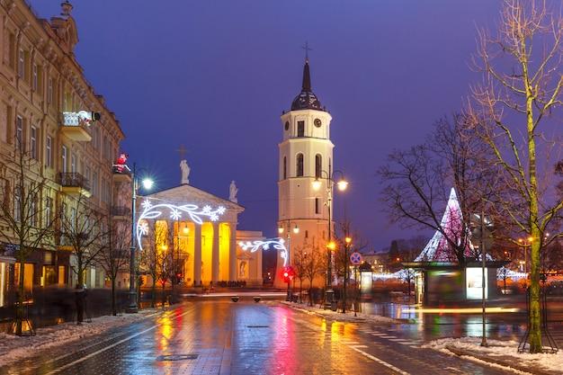Świąteczna perspektywa giedymina, wilno, litwa