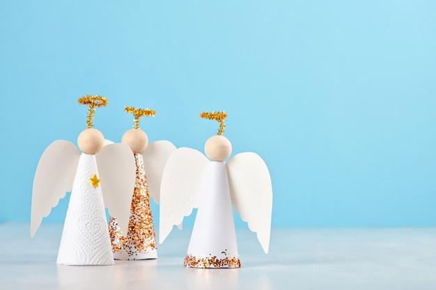 Świąteczne anioły papierowe
