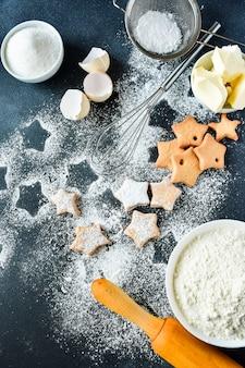 Świąteczne ciasteczka w kształcie gwiazdek