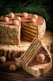Świąteczne ciasteczka z cynamonem i orzechami