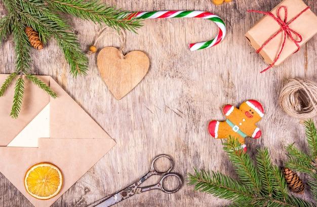 Świąteczne dekoracje z jodłą i pakowaniem prezentów