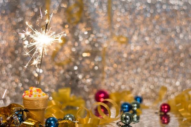 Świąteczny złoty motyw na noc nowego roku