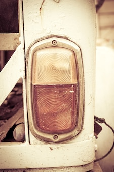 Światła tylne starego samochodu, vintage