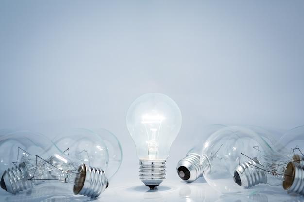 Światło lampy żarówka