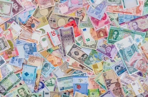 Światowa zbiórka pieniędzy z różnych krajów